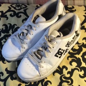 DC women's skate shoes